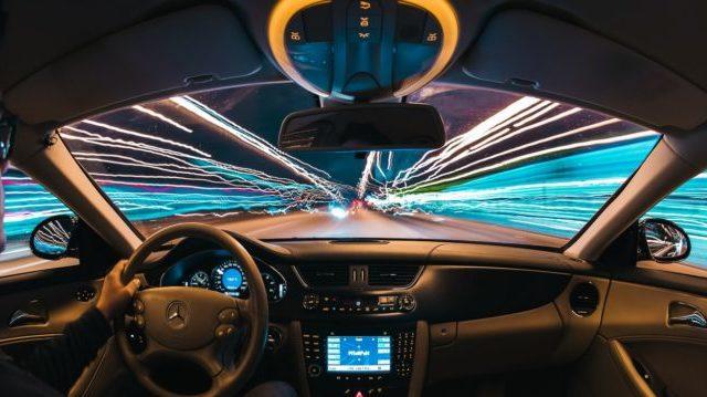 未来的なドライブ
